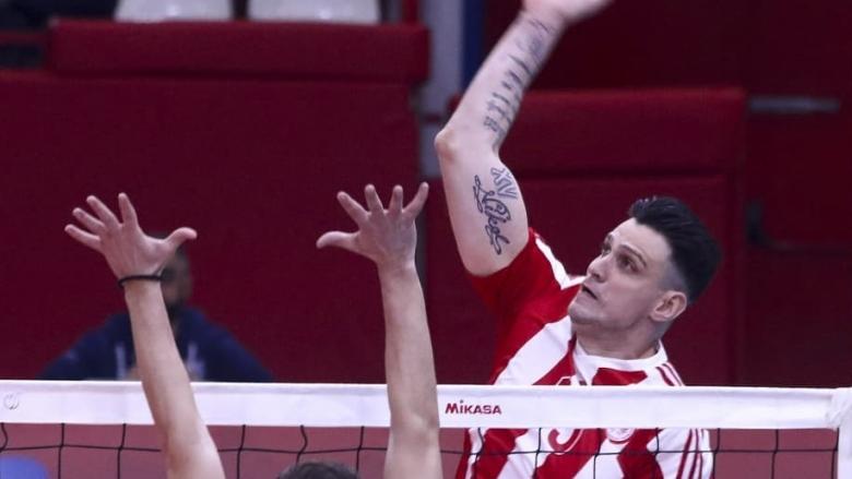 Тодор Алексиев с 21 точки, Олимпиакос с 13-а победа