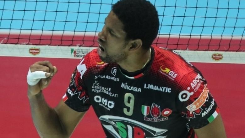 Леон спечели първия си трофей в Италия със счупен пръст