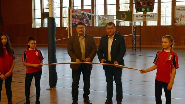 Обновиха за 150 000 лева спортната зала в Павликени