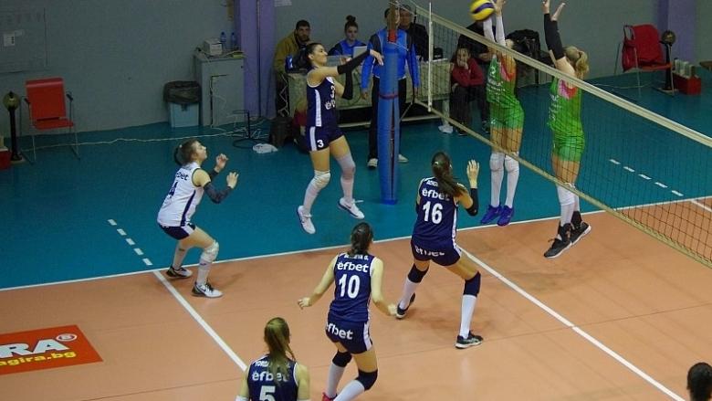 Левски тръгна с категорична победа в плейофите