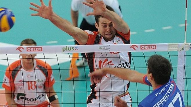 Ники Пенчев с 3 точки при дебюта си в ПлусЛигата