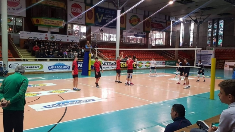 Волейболистите на Добрич и Дупница на финал при юношите 11-12 клас