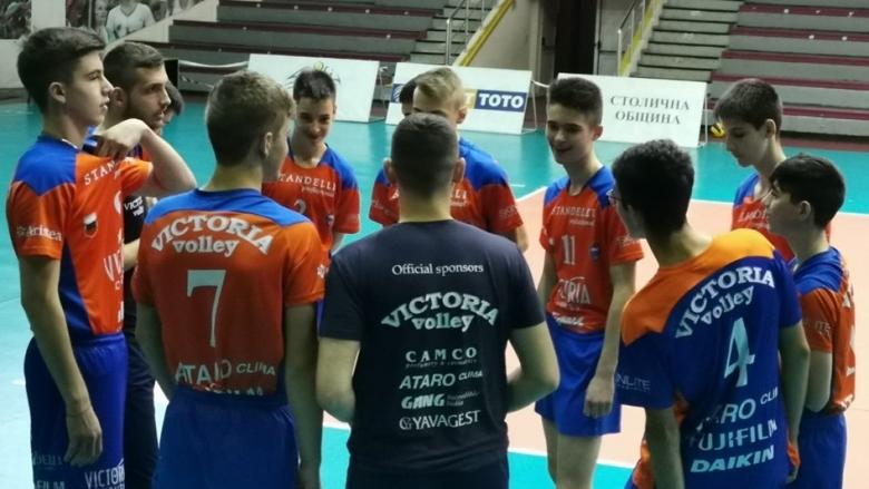 Гледай на живо в Sportmedia.tv Виктория - Левски - първи полуфинал при кадетите