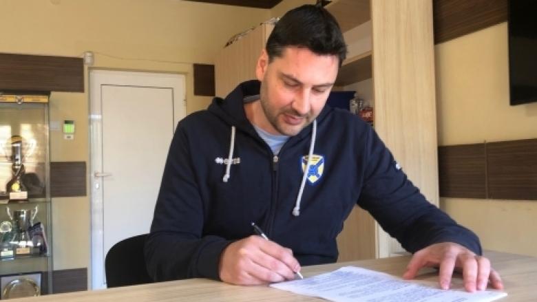 Атанас Петров остава треньор на Хебър и през следващия сезон