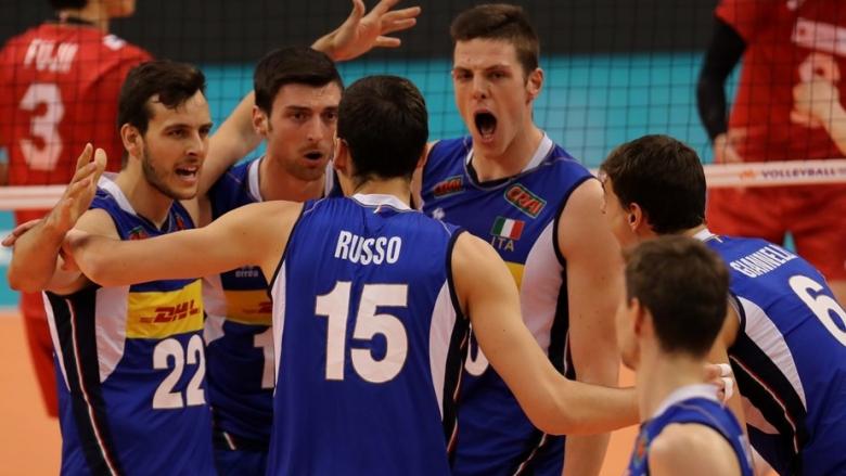 Италия се затрудни с Япония, но записа пети успех