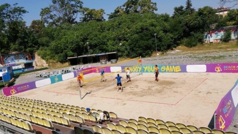 Изградиха игрище за плажен волейбол на стадион Юнак