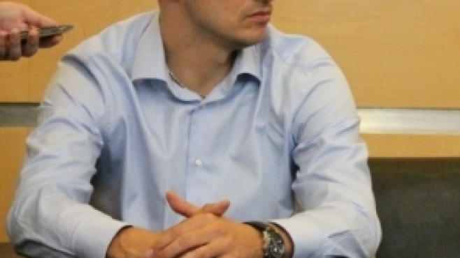Владо Николов и Теди Салпаров подписват във Франция