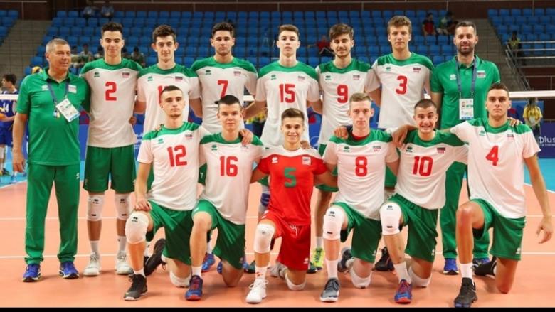 Трима от сребърните медалисти на Евроволей U17 в разширения състав на България U19