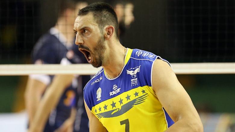Николай Учиков се завръща в Аржентина