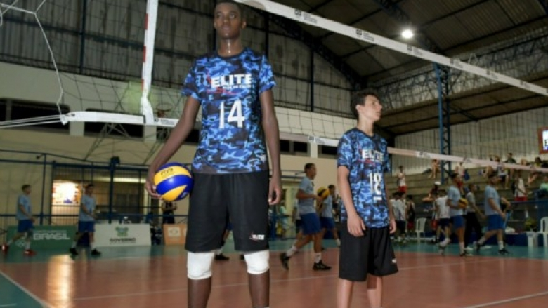 15-годишен гигант ще играе за Бразилия на Мондиала U19