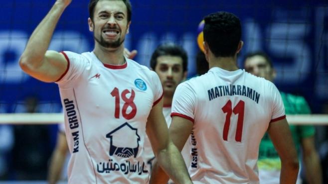 Отборите на Ники Николов и Иван Станев начело в Суперлигата на Иран