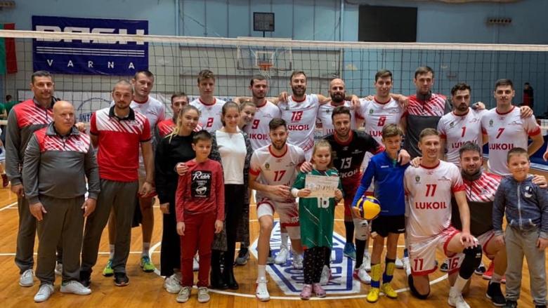 Нефтохимик с втора убедителна победа на турнира във Варна
