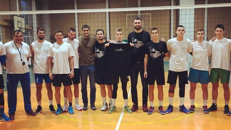 Цветан Соколов пожела успех на млади волейболисти от Люлин