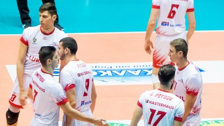 Нефтохимик даде гейм на Славия, но записа четвърта победа в Суперлигата