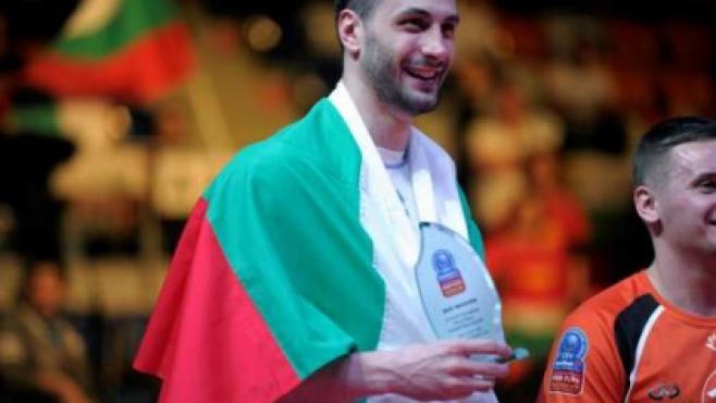 Матей Казийски посрещач номер 1 на финалите на Шампионска лига!
