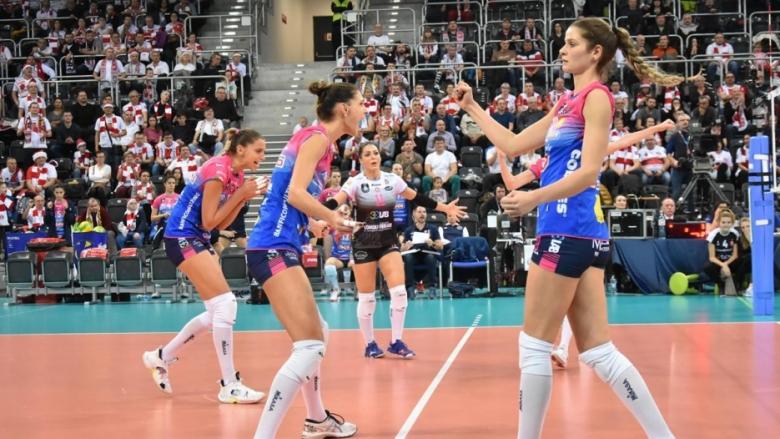 Елица Василева и Новара с драматична победа над полския първенец в ШЛ