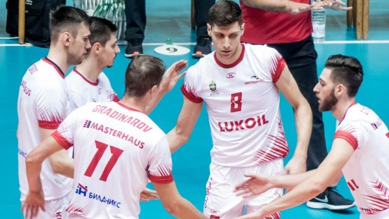 Шампионът Нефтохимик играе две контроли преди финалите на Купата на България