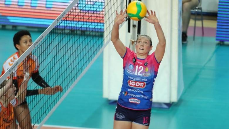 Съотборничка на Елица Василева с рекорд по асове в Италия (видео)