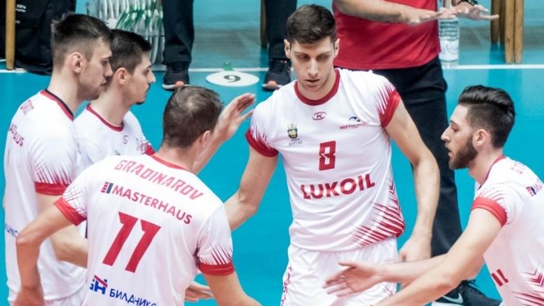 Шампионите без проблем срещу Славия