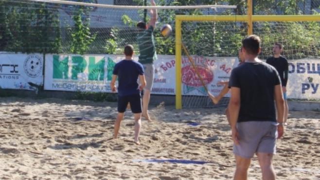 Румен Илиев и Васил Иванов спечелиха турнир по плажен волейбол в Русе