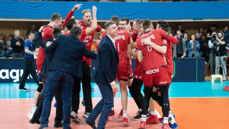 Мечкаров и Ижхострой с втора победа в ШЛ
