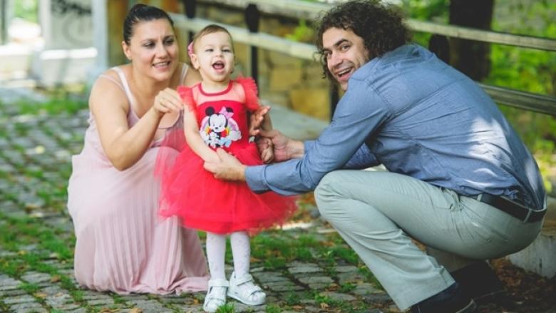 Да помогнем на дъщеричката на плувния трeньор Панайот Паздерков