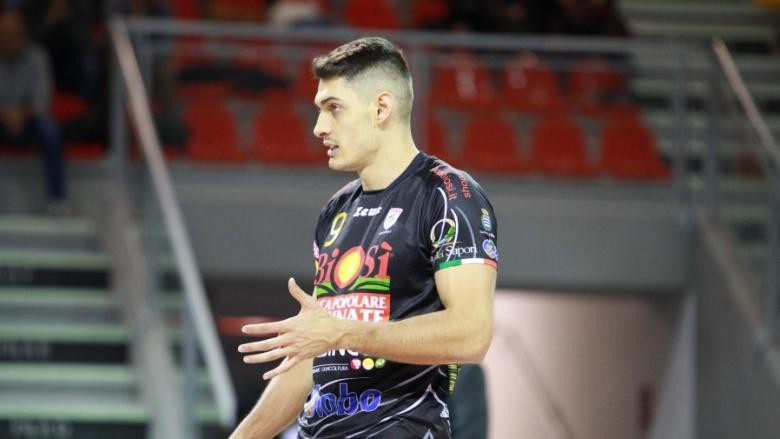Бранимир Грозданов с 13 точки, Сора с нова загуба в Италия