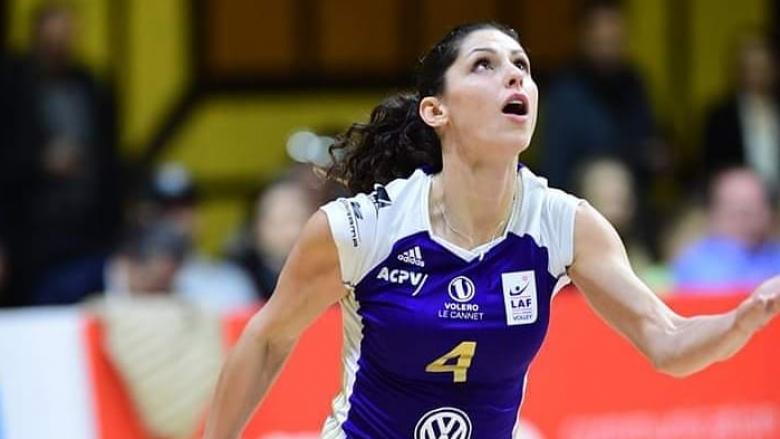 Ева Янева с 14 точки за победа №17 във Франция
