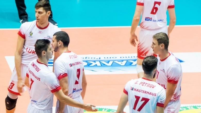 Нефтохимик гони победа над Левски и утвърждаване на върха в Суперлигата
