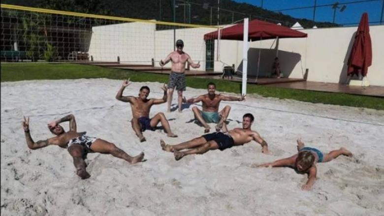Карантина: Неймар играе плажен волейбол в имение за 8 милиона евро (снимки)