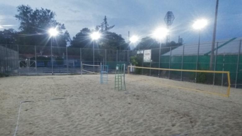 Вече може да се спортува на пясъчните кортове в Пловдив
