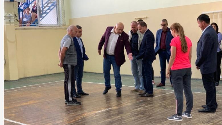 Стартират ремонтни дейности на спортните зали в Ямбол