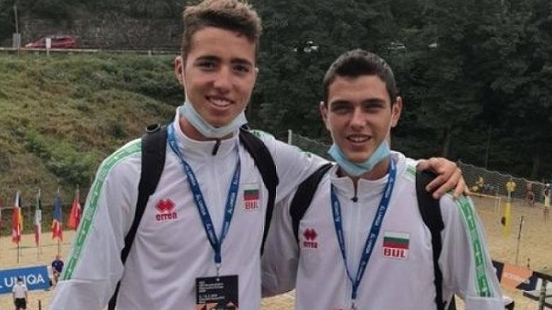 Първа победа за България на европейското първенство по плажен волейбол U20