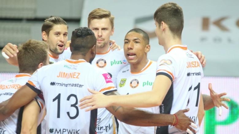 Ники Пенчев с 15 точки за победа №2 на Купрум