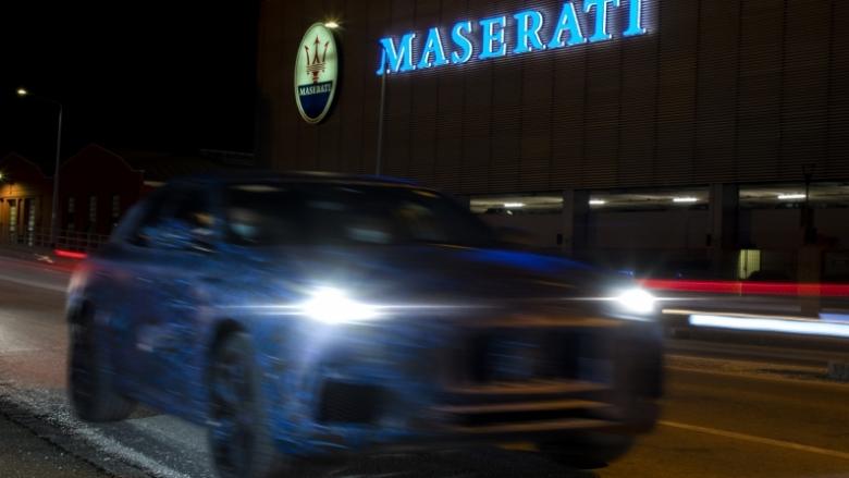 Прототип на новия SUV на Maserati Grecale бе заснет в Модена