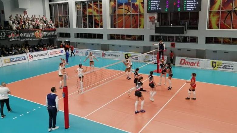 Лора Китипова и Иван Петков спечелиха и Купата на Украйна