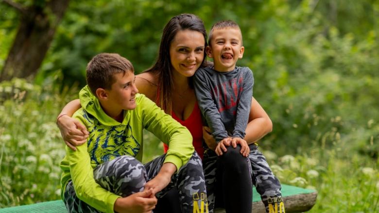 Диана Ненова и Тервел Пулев вече са родители на трети син