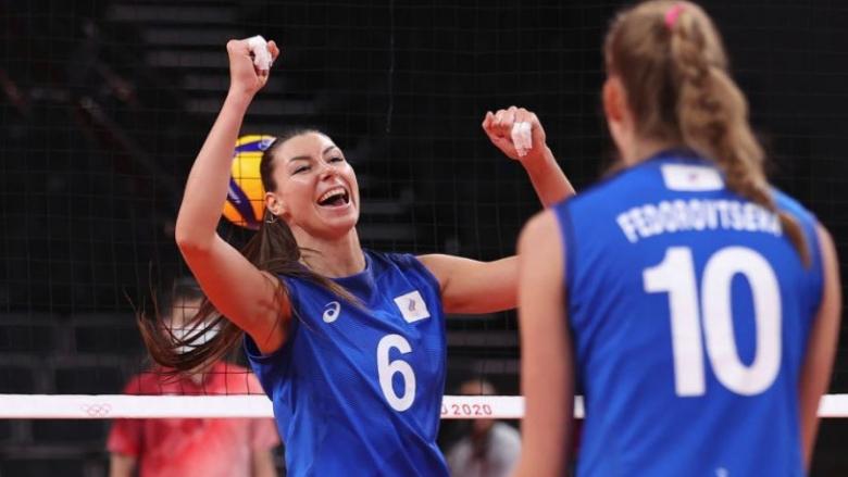 Руска волейболистка ознаменува победата над САЩ с хита ′Калинка′ (видео)