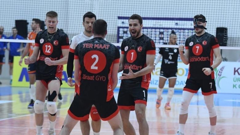 Мартин Атанасов и Зираатбанк с трета поредна победа в Турция