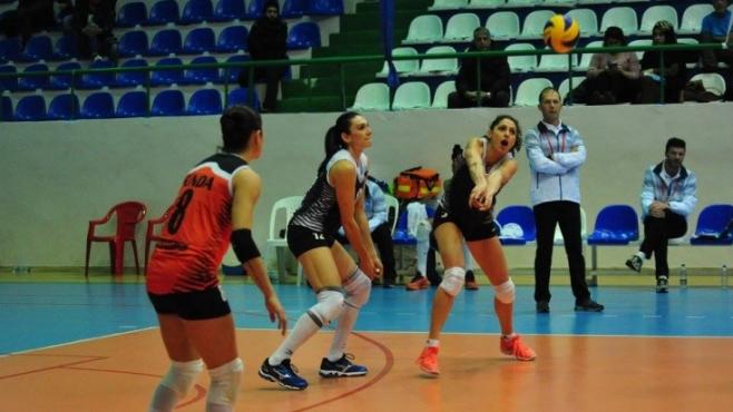 Ева Янева и Саръйер падат в Турция