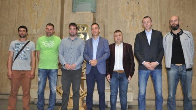 Кметът на Бургас награди шампионите от Нефтохимик