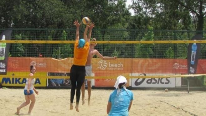 Фурор за турнира на смесени двойки от Beach Volley Mania 2017