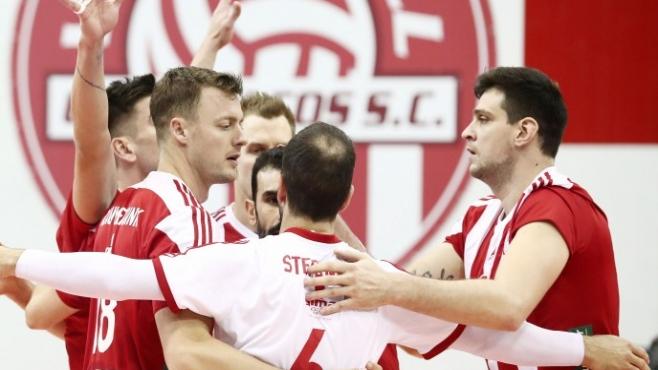 Гледай на живо с BGvolleyball.com Тошко Алексиев и Олимпиакос срещу Светослав Гоцев и Тур