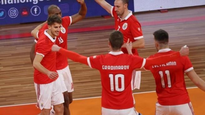 Миро Градинаров и Бенфика с лесна победа в 1/16-финалите на Купата на претендентите