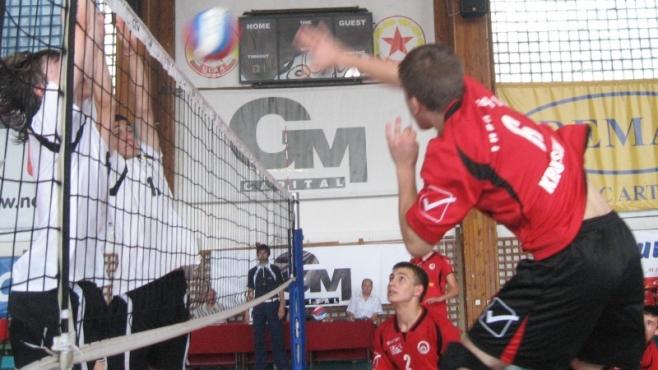 Локомотив спечели бронза при момчетата