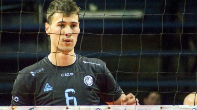 Розалин Пенчев MVP с 19 точки в драма за Персонал