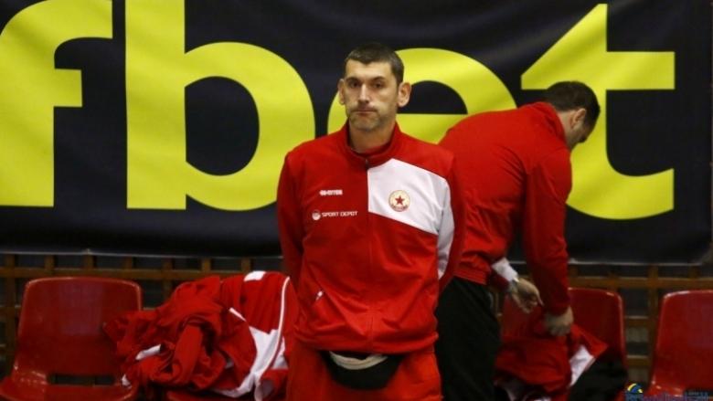 Александър Попов: Ножът опира до гърлото