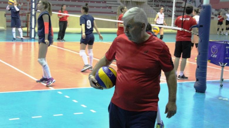 Стоян Гунчев: Целим се във финалната четворка на Евроволей