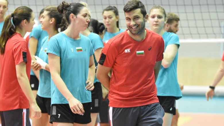 Фотогалерия от откритата тренировка на женския национален отбор по волейбол