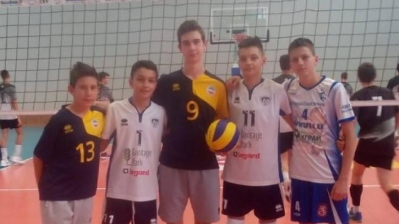 Синовете на волейболни национали спорят на финалите U15 в Дупница